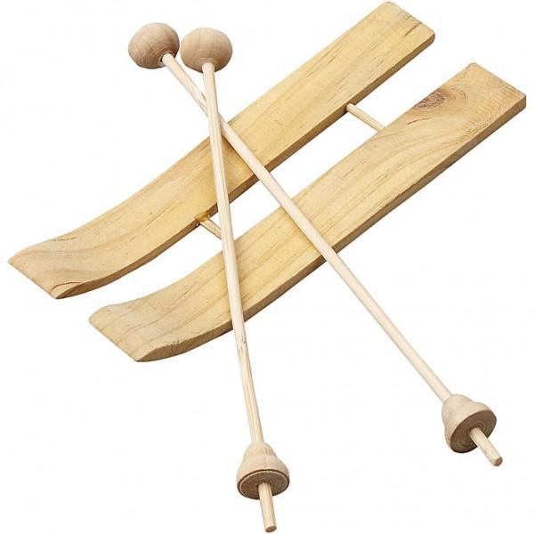 Ski mit Stöcken aus Holz